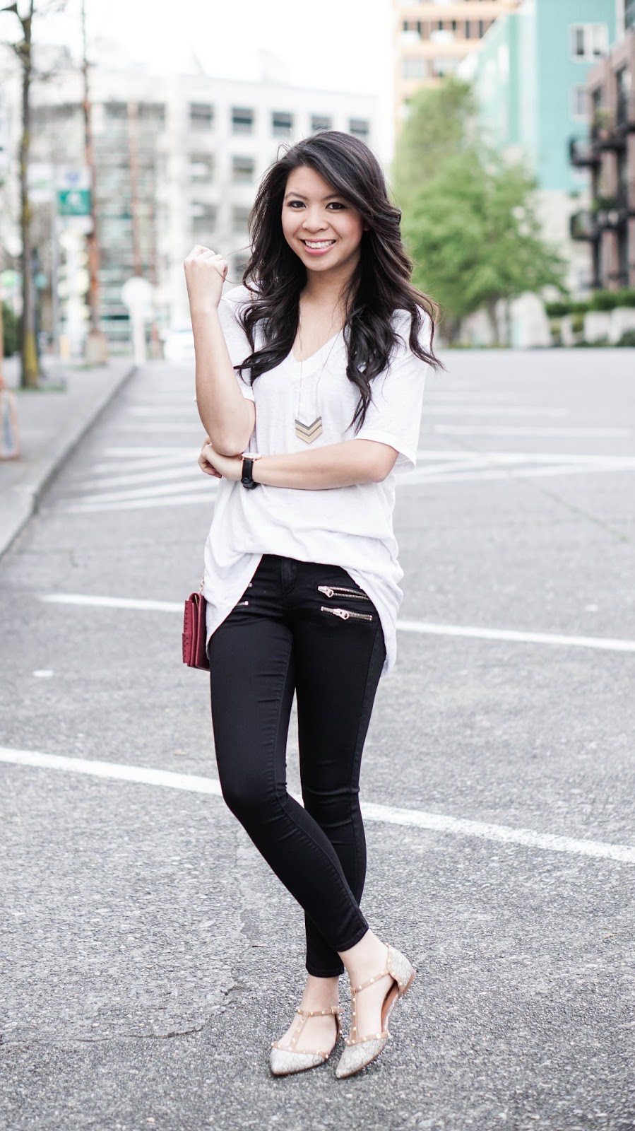 Black &amp White: Plain Tee and Zippered Jeans | Just a Tina Bit