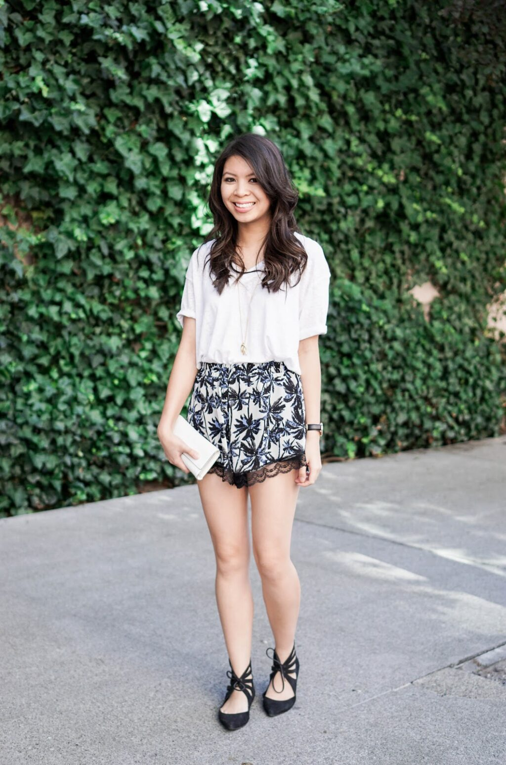 justatinabit-lace-trim-floral-palm-tree-print-shorts-leith-oversized-v-neck-tee-summer-style-outfit-jeffrey-campbell-gazebo-lace-up-flats