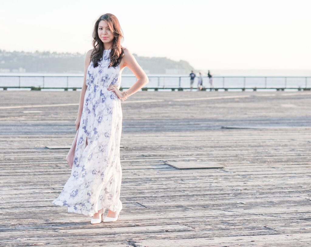 justatinabit-leith-print-slit-front-halter-maxi-dress-aldo-white-pumps-outfit-style-fashion-7-seattle-waterfront-pier