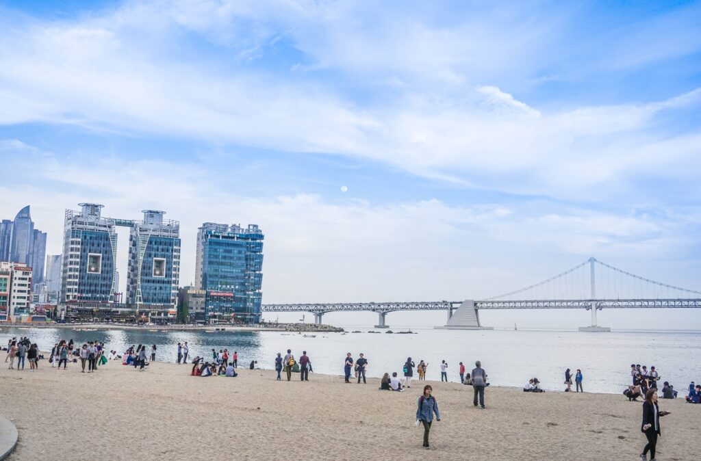 korea-busan-gwangalli-beach-gwangandaegyo-diamond-bridge-top-things-to-do-see-in-busan-travel-guide