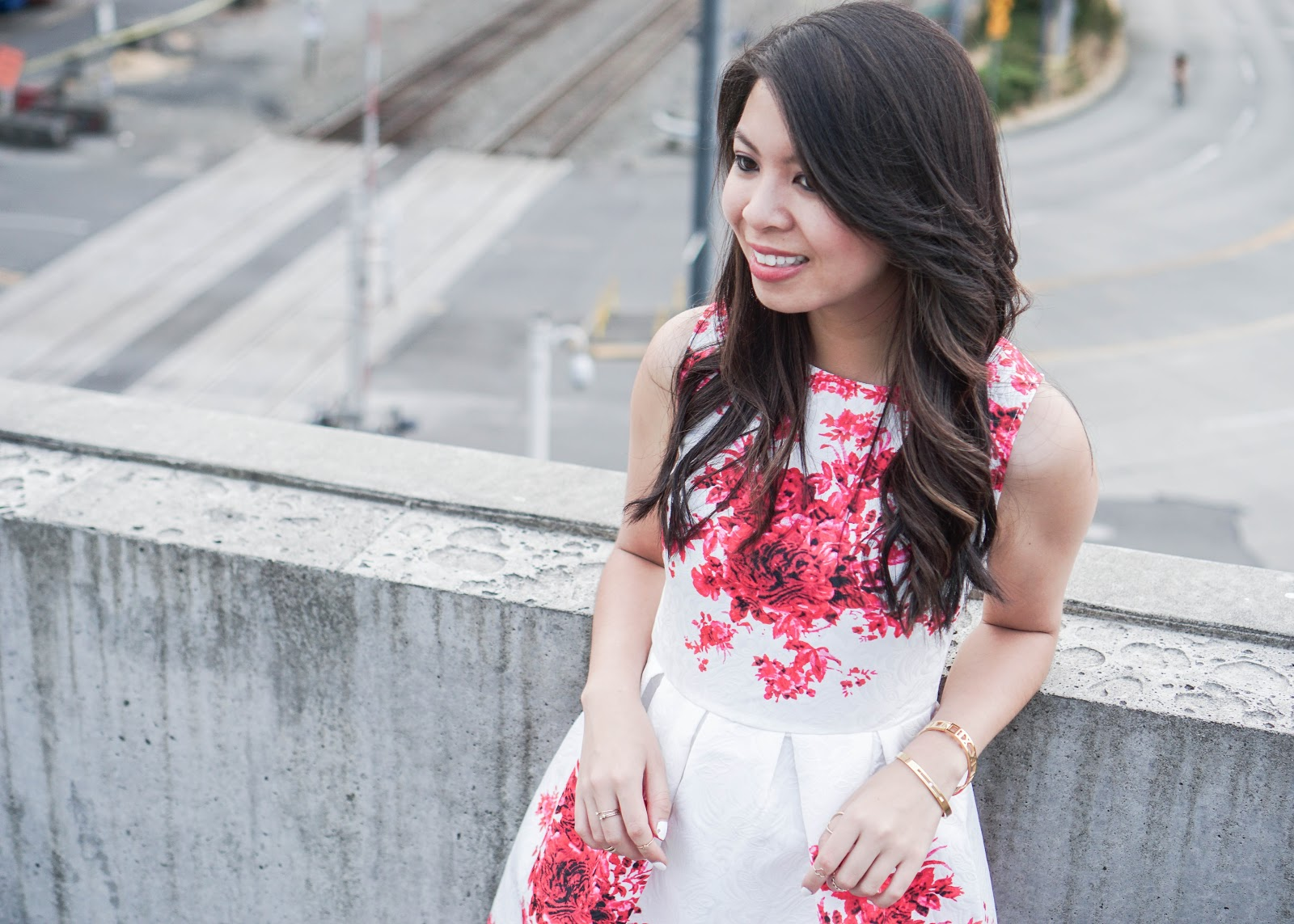 5cc9367d68a justatinabit-choies-clothing-white-sleeveless-flared-skater-red-floral -print-dress-white-pumps-outfit-summer-5