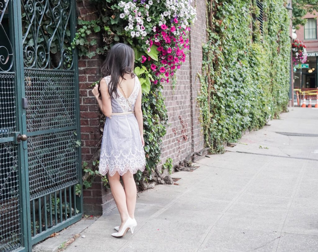 greylin-mindi-lace-trim-dress-summer-outfit-aldo-white-pumps-heels-bow-crossbody-seattle-pioneer-square