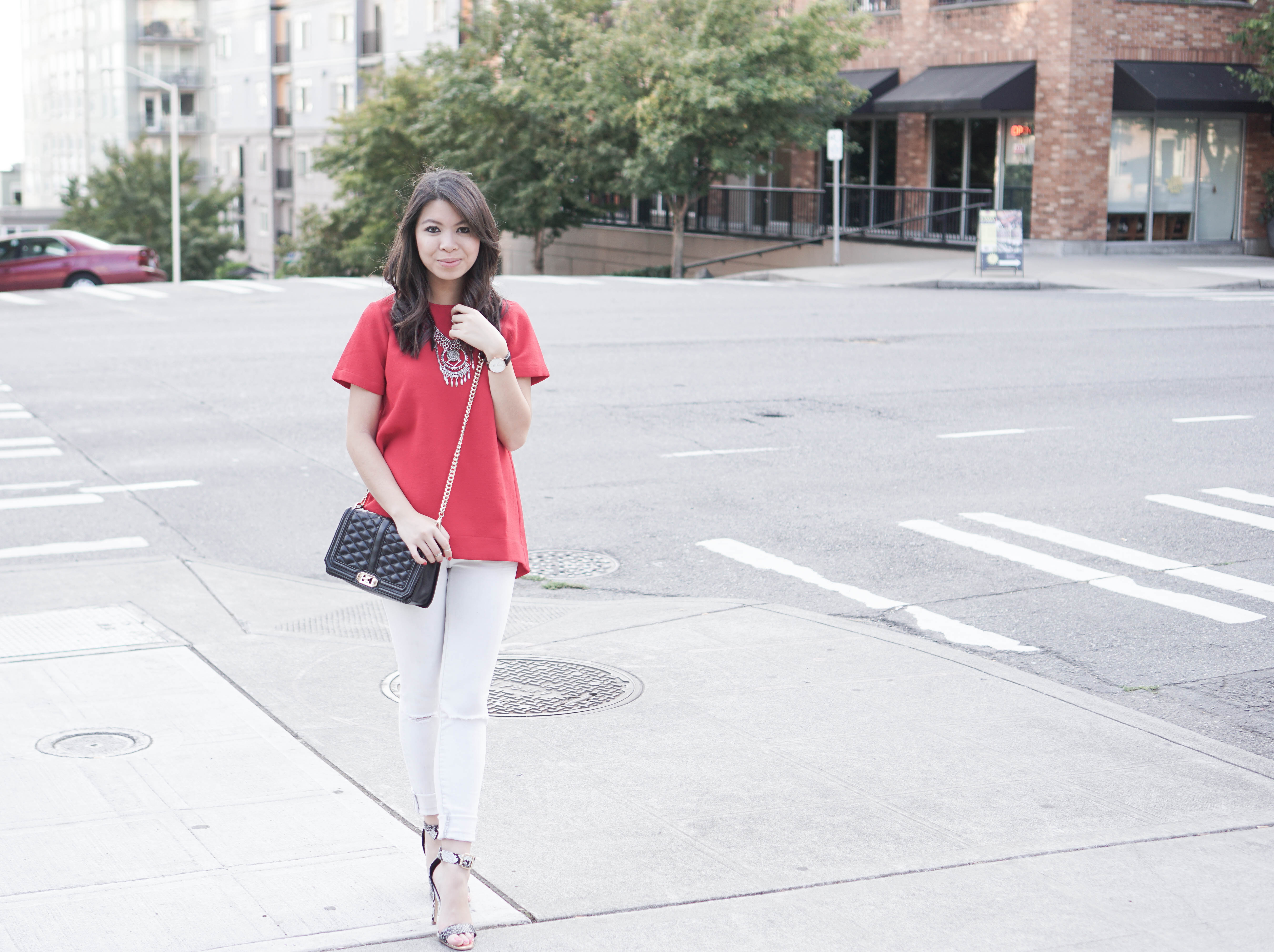 Madewell pleated short sleeve tee with skinny white jeans and faux snake-skin heels outfit