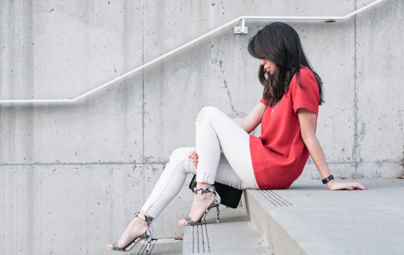 Skinny White Jeans and Red Pleated Tee