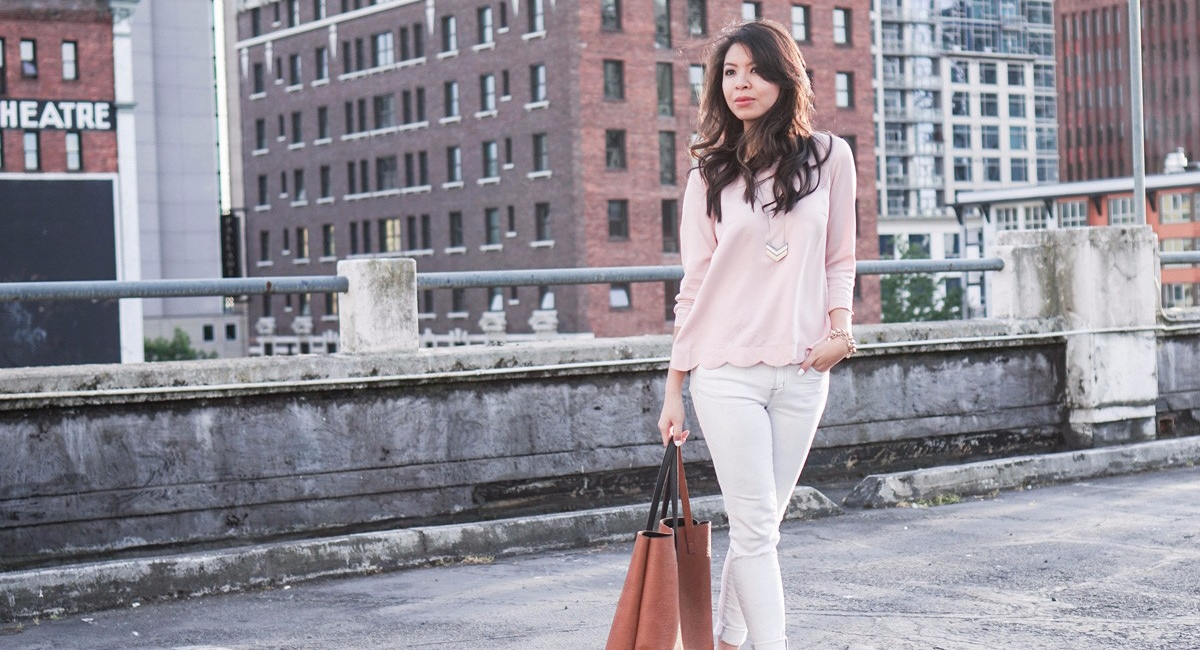 blush scallop top from urban outfitters and white jeans