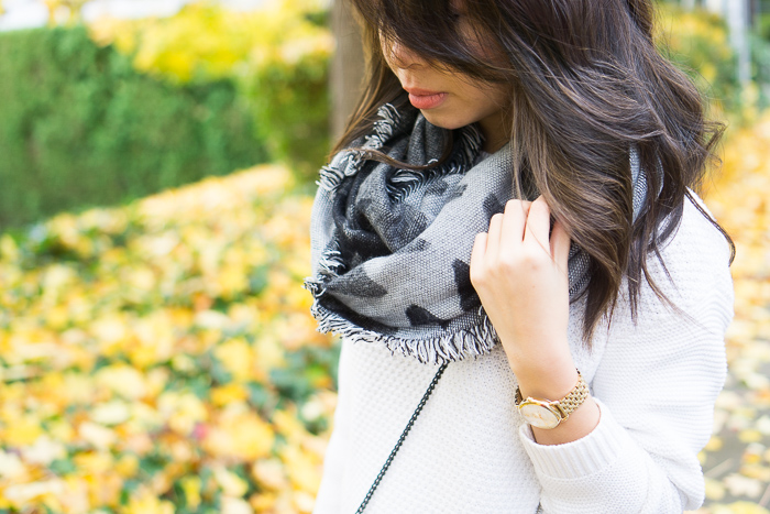 BP geometric blanket scarf