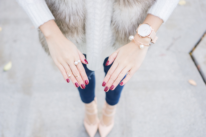 striped faux fur vest, lace up heels, how to wear midi rings