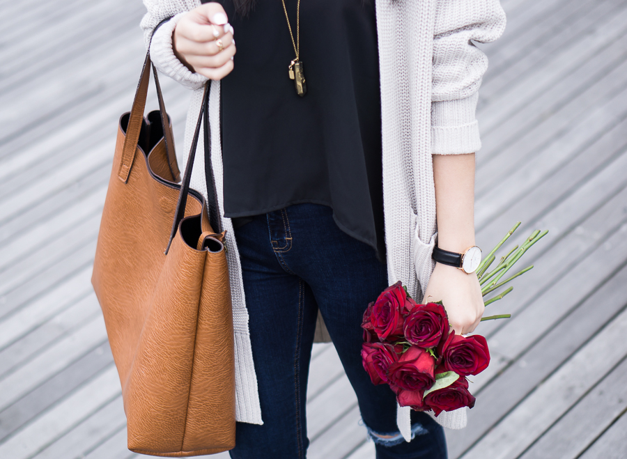 chunky cardigan sweater, street level faux leather tote, spring fashion