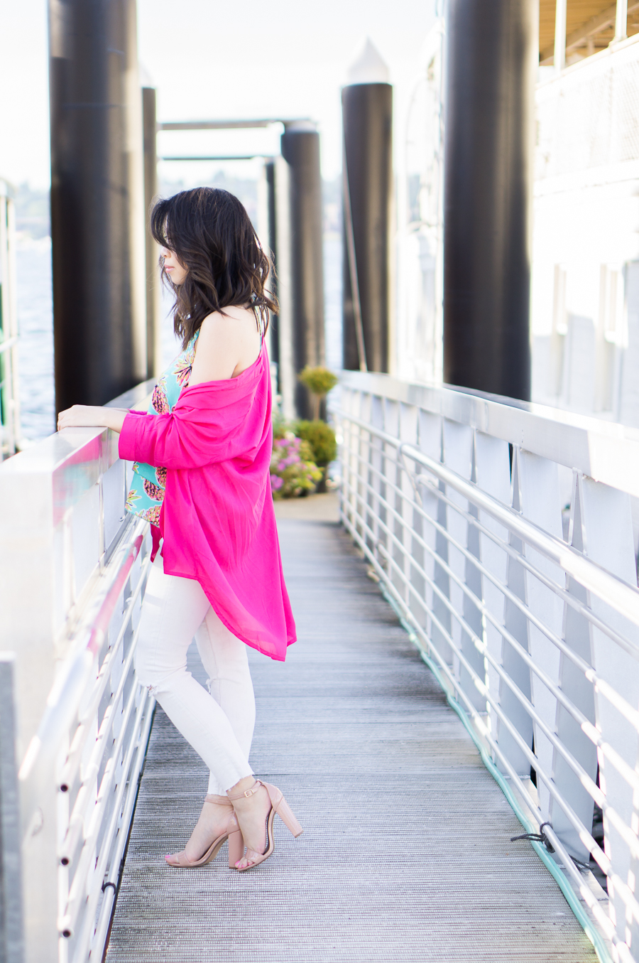pink kimono, pineapple print top, white jeans outfit, petite fashion blog