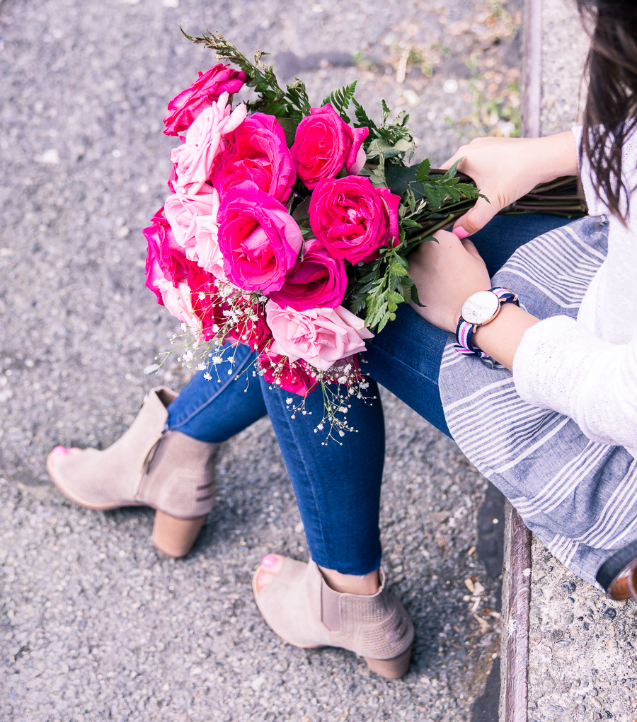summer stripes, skinny jeans, peep toe booties, daniel wellington watch, petite fashion blog