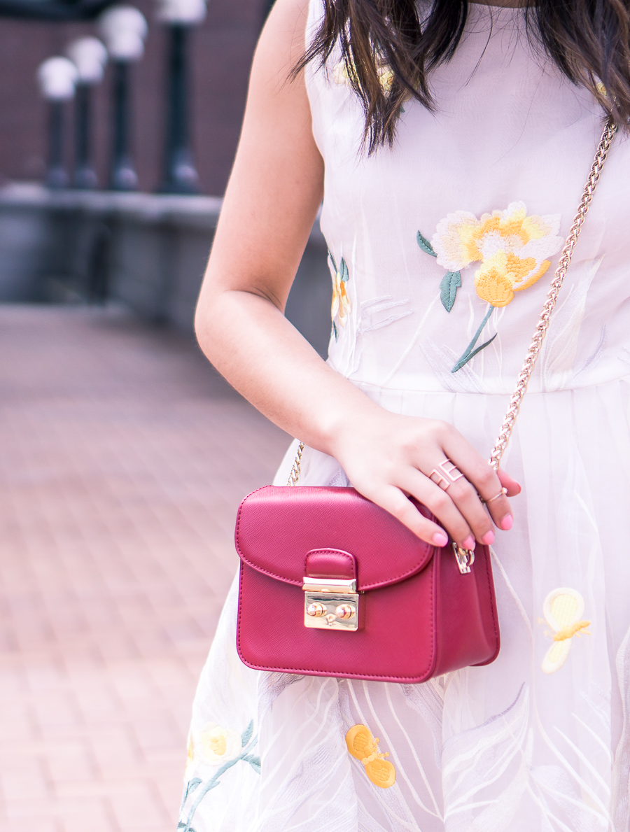 embroidered dress, red crossbody, petite fashion blog