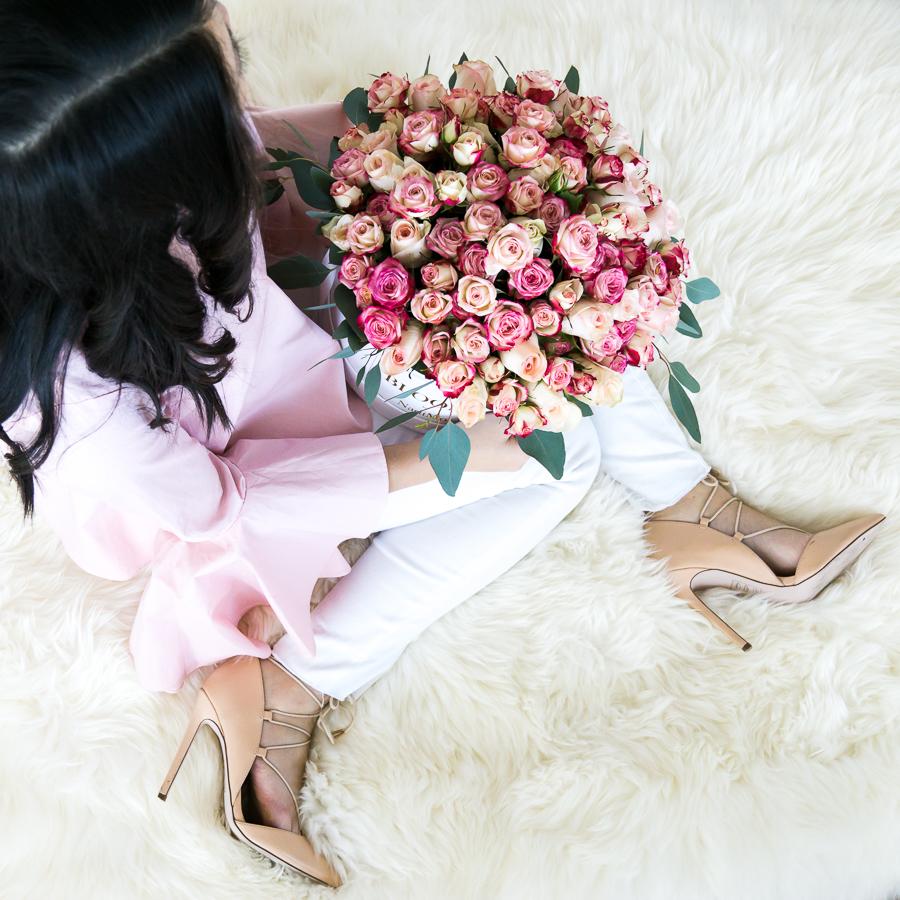 Round flower box, petite fashion blog