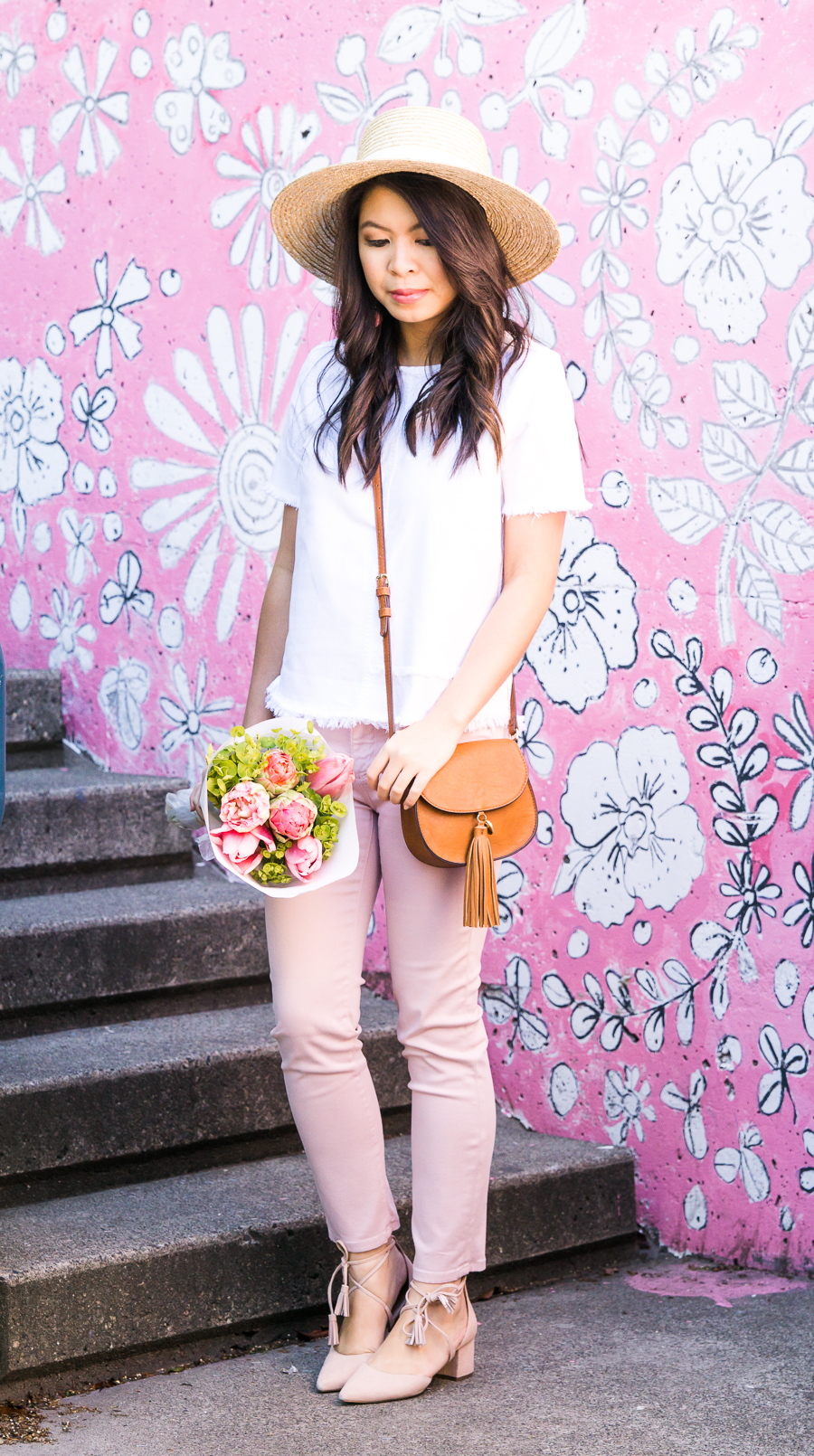 Pink jeans outfit, AG Jeans sateen prima crop, summer outfit, petite fashion blog, Seattle pink wall