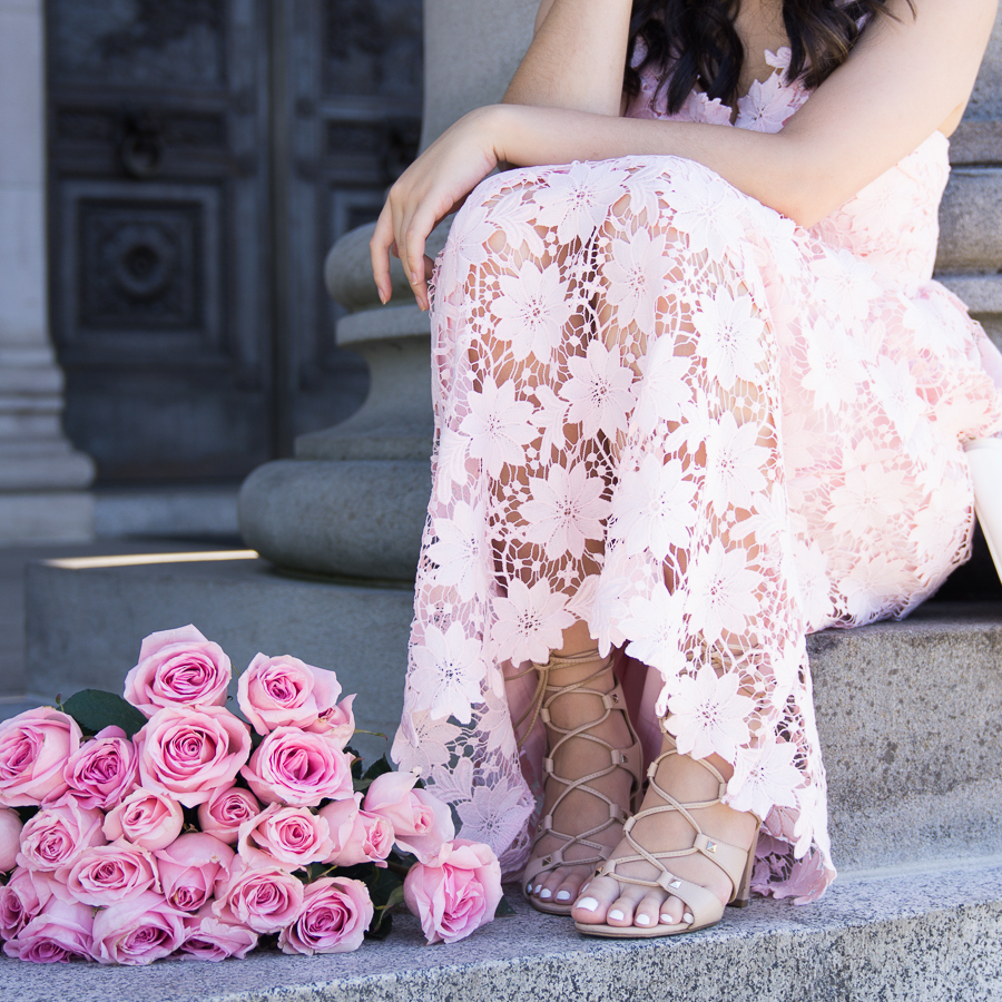 Pink lace dress review from Chicwish, Seattle fashion blogger, petite blogger, pink roses