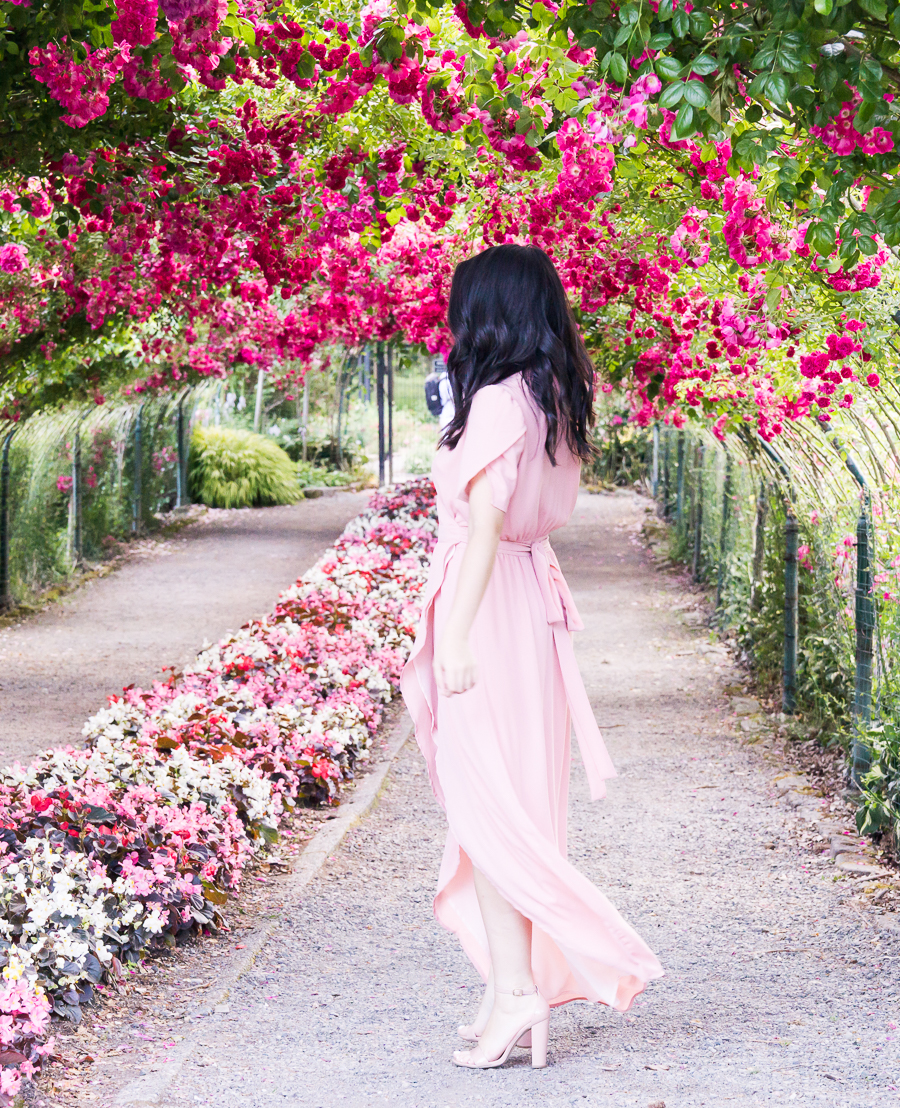 Tips for visiting Point Defiance Rose Garden in Tacoma, Washington, wrap maxi dress, Tacoma photography, Seattle fashion blogger, wedding guest summer style