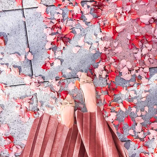 Velour pleated skirt, Sam Edelman bow shoes, Microsoft Redmond campus, fall foliage, fall fashion, fall style