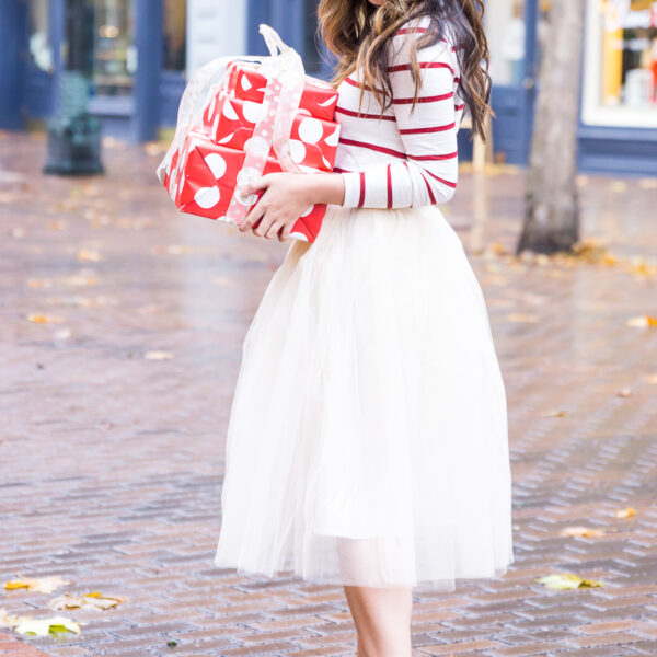 Holiday outfit idea, tulle skirt outfit, red striped top, red bow pumps, Seattle fashion blogger, holiday photo shoot, www.justatinabit.com